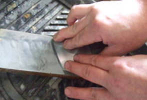 鉋刃の研ぎ:刃先の研ぎ
