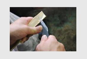 小刀の持ち方・削り方